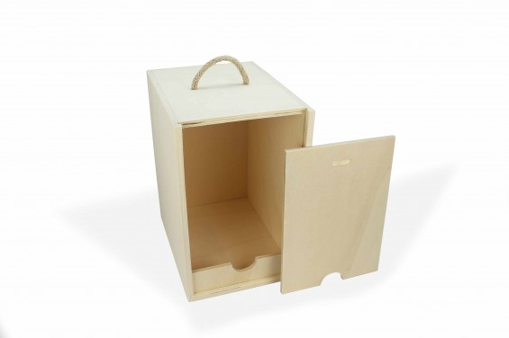 Wood resistant box for wine bag in box
