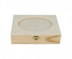 Box with oval cut